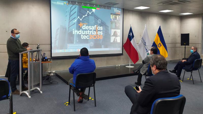 """Docentes Mentores del concurso """"Desafíos Industriales 2030"""" participaron en jornada de inducción"""